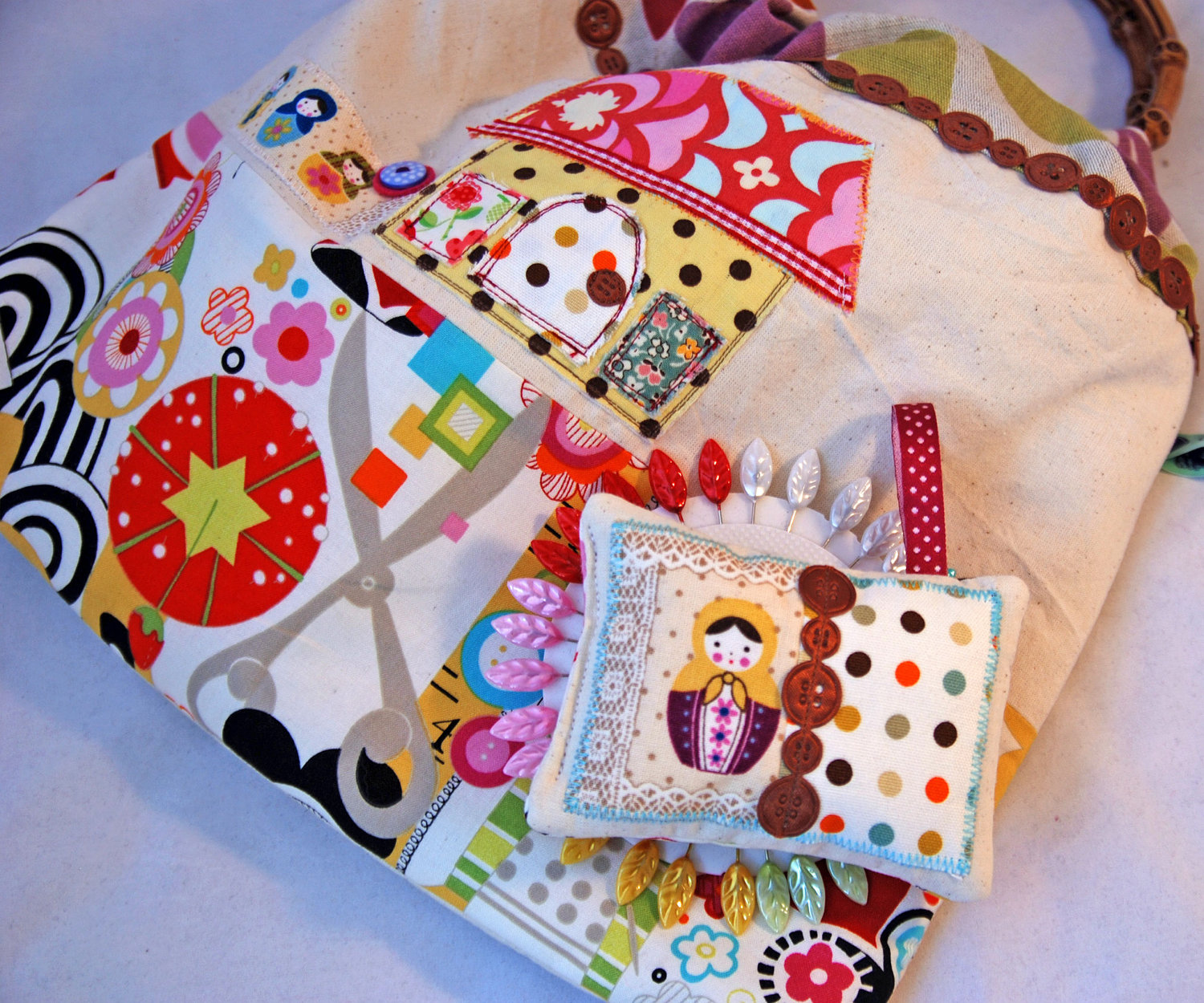 A Really Nice Made To Order Handmade Sewing Bag With Pincushion And Pins